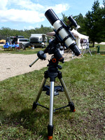"Televue NP127is 127mm (5"") f/5.2 APO Refractor Telescope on a Celestron CGEM DX Mount & Tripod (2.75"" legs)"